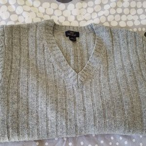 BROOKS BROTHERS 346 PURE  LAMBS WOOL
